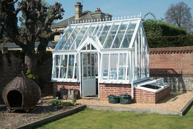 Free-Standing-Greenhouses