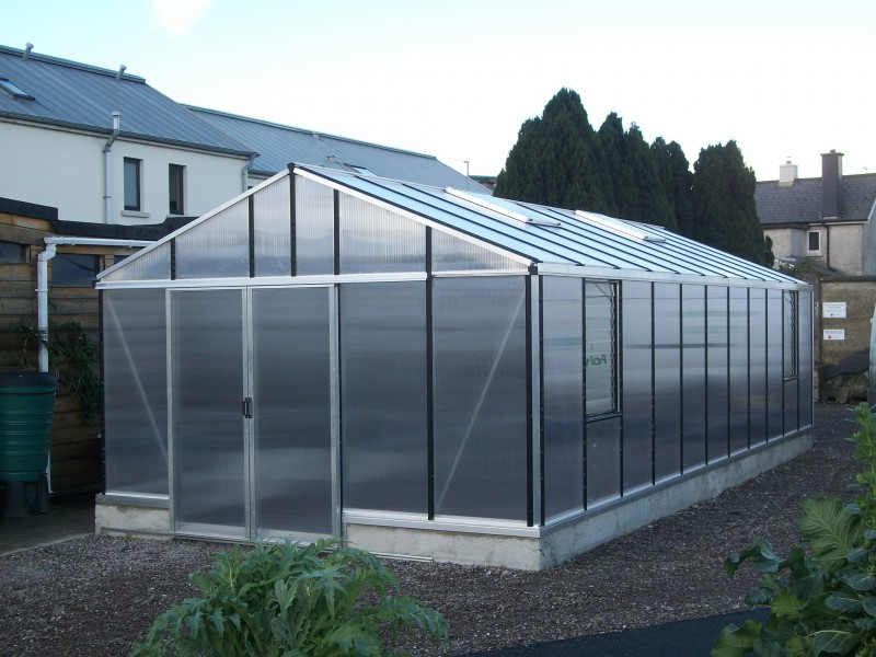3.84m x 8.28m Helios in mill finish with Polycarbonate Glazing on a 263mm Dwarf Wall