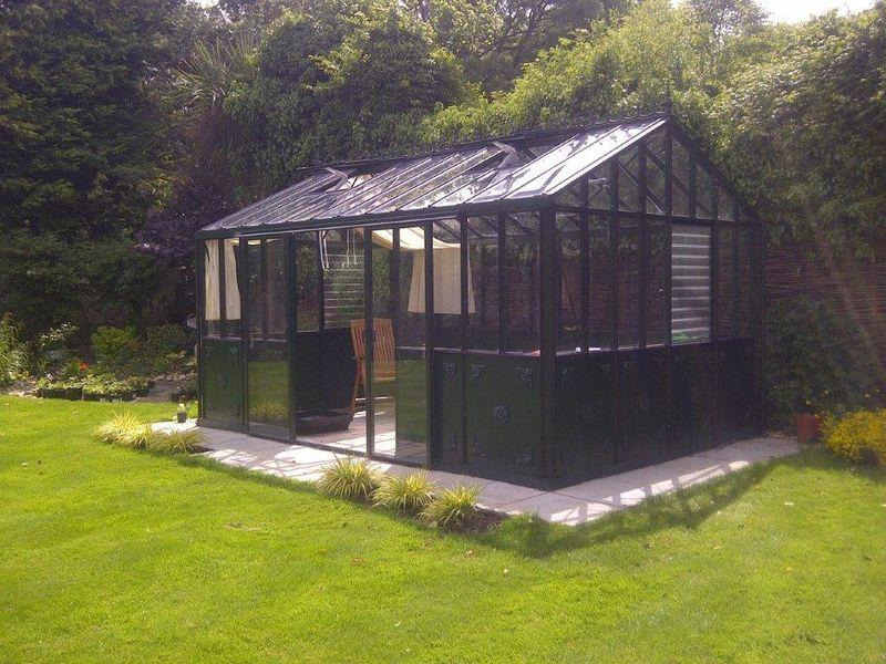Abundant growing in a Helios Greenhouse