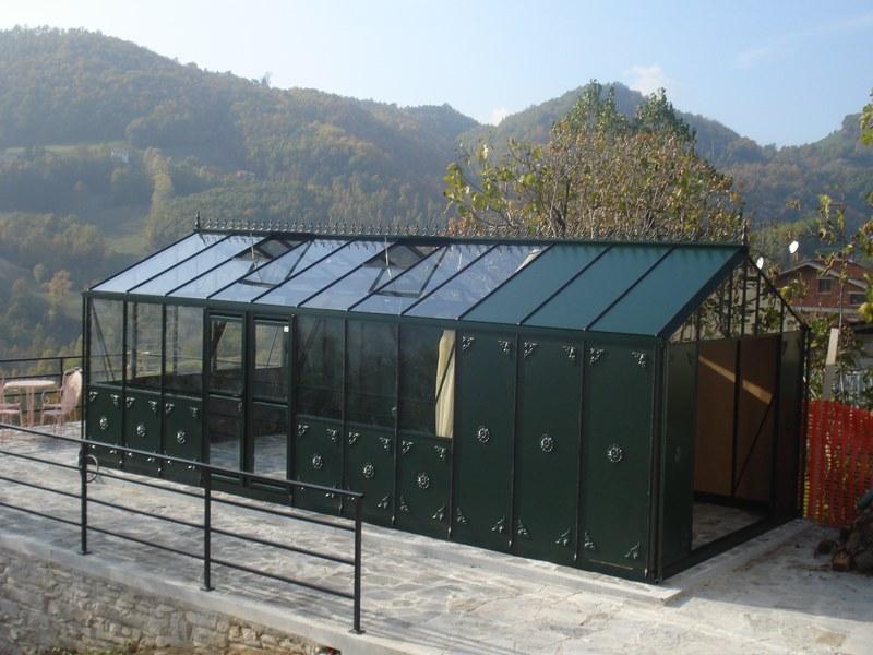 3.84m x 8.28m Helios with full length decorative aluminium panels