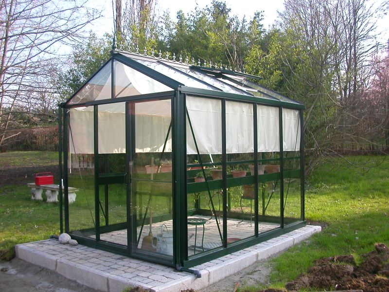 Helios Victorian SL 2.36m x 3.1m with shade screen